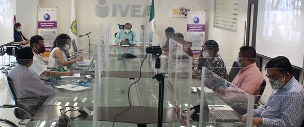 Impulsarán INEA-IVEA estrategias para fortalecer el modelo educativo para jóvenes y adultos